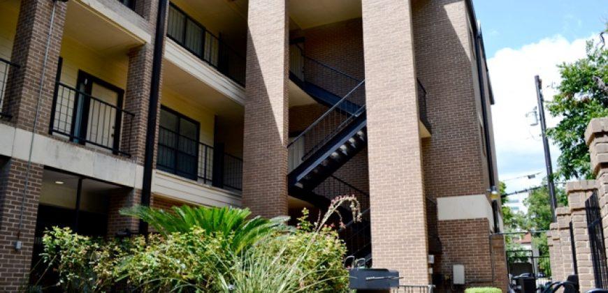 Twelve Oaks Condominiums